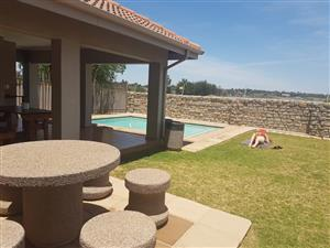 Two bedroom townhouse to rent in Rynfield Benoni!!!