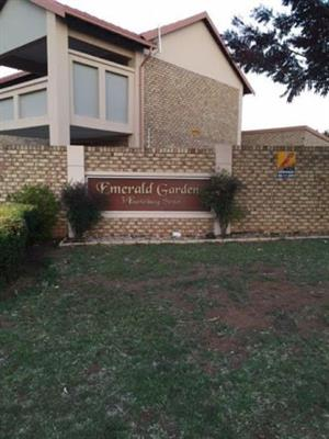 2 bedroom townhouse with double garage in Amberfield Centurion availble for rent 1 April 2019
