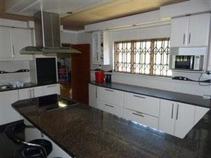 Large Family Home - Great Price - Margate Ext 3