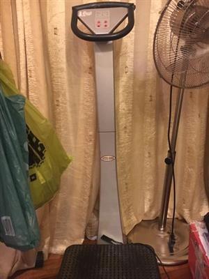 Vibration exercise stool