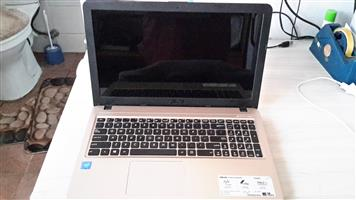 Laptop Asus x540s