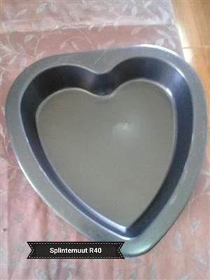 HEART SHAPED CAKE PAN FOR SALE