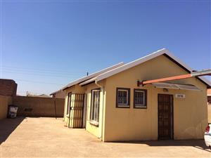 2 bedroom to rent in protea glen ext 29
