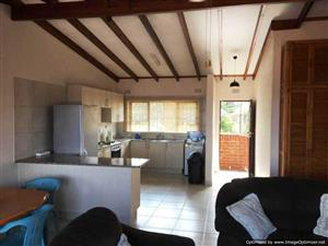 Newly Renovated 2 bedroom Apartment for sale in Margate - REF:LV005