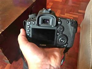 Canon EOS 7D Mark ii - Very Low Shutter Count.
