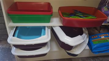 Cat Litter Trays, Litter Scoops and Litter bags available at PETS4LIFE BRACKENFELL