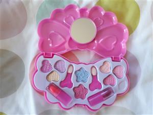 Little girls cosmetics, jewelry, accessories and handbag