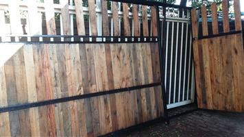 4m Sliding gate.