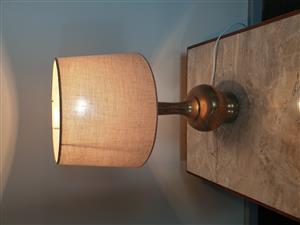 Refurbished copper vase lamp