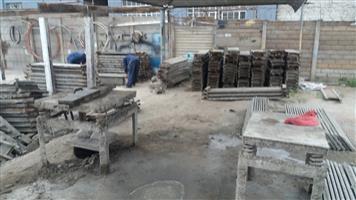 Concrete precast fencing