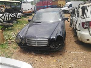 Mercedes Benz E-Class E280 stipping for spares