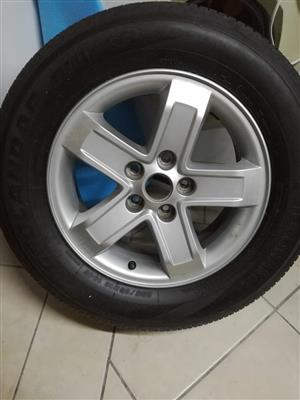 Kia sportage alloy and tyre