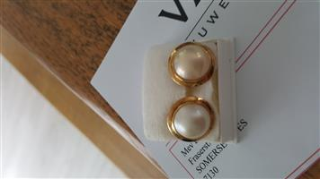 Marbe pearl and gold earrings with valuation certificate