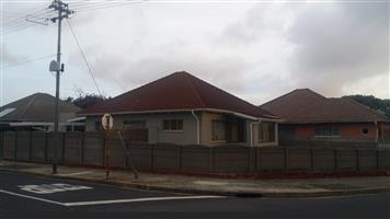 Oakdale, Bellville Corner property with 3 Bedroom home