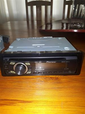 ,2 X Motor radio's,Phillips radio