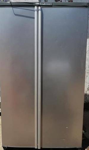 Defy side by side fridge in good condition