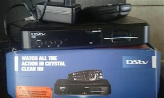 DSTV R350 box+remote no dish