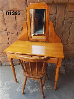 Petit Pine Dressing Table with Chair (890x455x770)