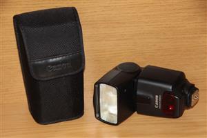 Canon EOS SLR camera flash / speedlite 430 EX II