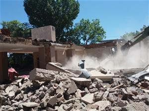 CALL 0656514777 DEMOLITION OF BUILDING AND RUBBLE REMOVAL