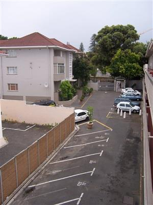 Clean 2 Bedroom Apartment to Rent in Kenilworth