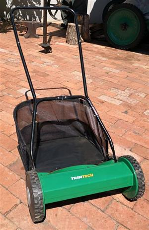 TRIMTECH Push Type Lawnmower