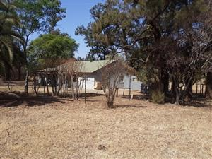 Hartbeespoortdam. Broederstroom. 3 Bedroom house to let. spacious. Very well maintained.