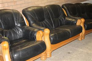 3 piece black lounge suite S030568A #Rosettenvillepawnshop