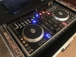 DJ Controller Numark N4