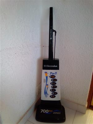Electrolux 7in1 Carpet and Tile Cleaner and Polisher.