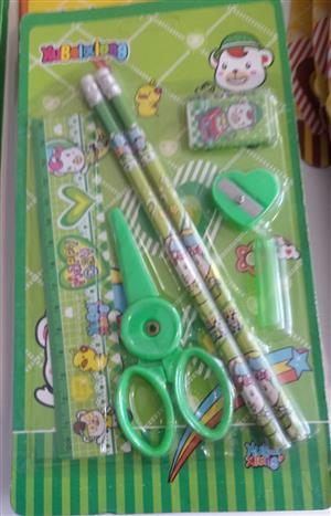 HAPPY DAY STATIONERY SET GREEN