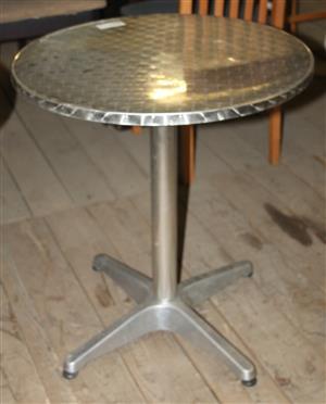 Round aluminium table S030759C #Rosettenvillepawnshop