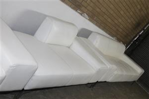 WHITE L-SHAPE LEATHER COUCH S038978A #Rosettenvillepawnshop