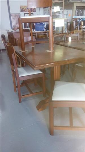 4 Seater white top dining set