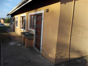 BUSINESS OPPORTUNITY SITUATED ON THE MAIN ROAD