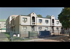 2 Bedroom Flat For Sale in Hatfield, Pretoria