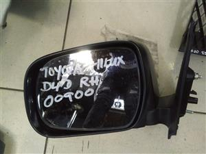 Toyota Hilux  D4D Right Mirror