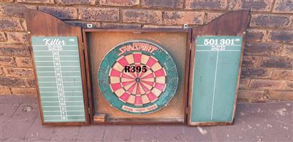 Spalding Dartboard with Cabinet (580x90x695)