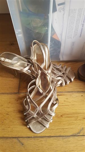 Faith Gold Sandals Size 6