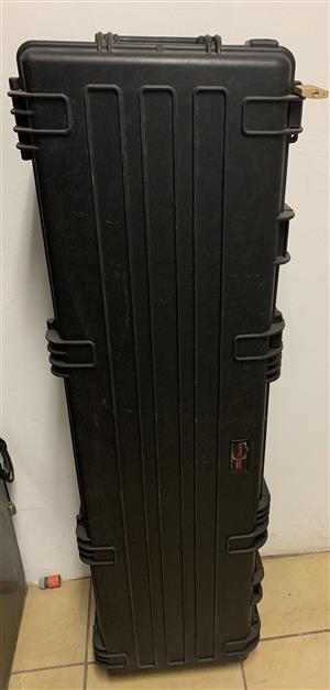 Gun traveling case