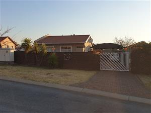 3 Bedroom Granny flat, with own entrance and garden
