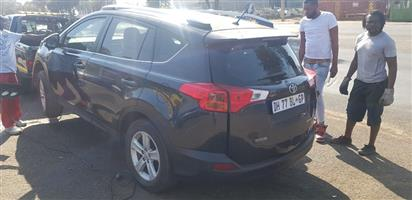 2014 TOYOTA RAV 4 STRIPPING FOR SPARES