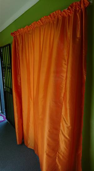 Oranje gordyne te koop