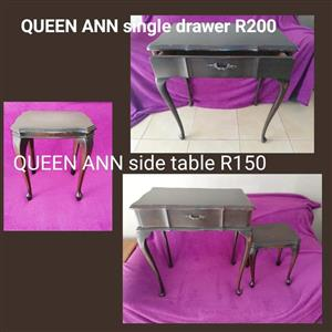 Queen anne drawer table