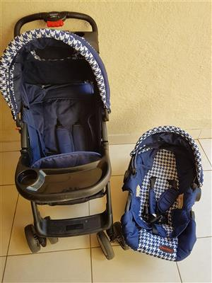 Chelino Pram and Car Seat in excellent condition