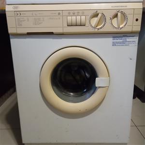 Devy washing machine