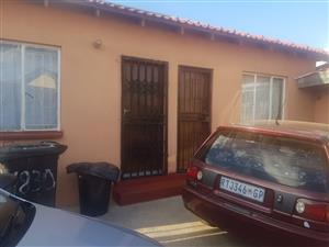 Room to rent in zondi