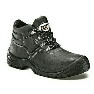 Specials running on Safety shoes