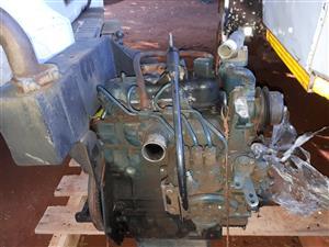 KUBOTA D722 ENGINE