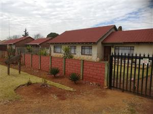 3 bedroom house for sale (eloff)